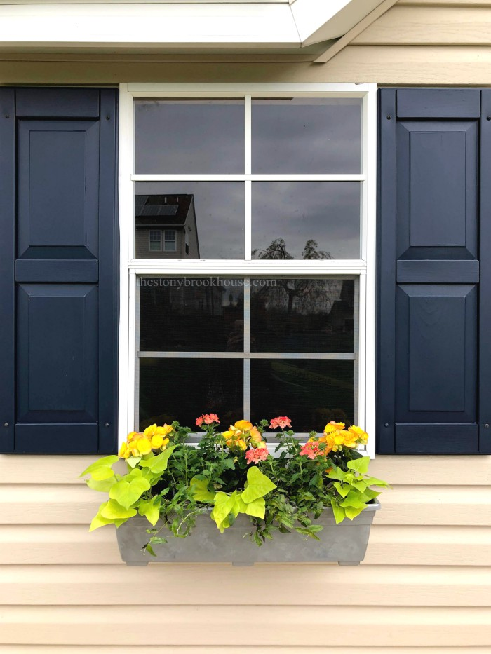 DIY Faux Galvanized Window Boxes
