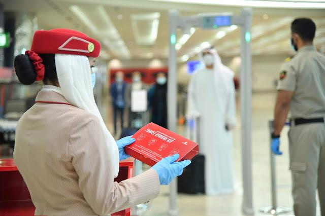 Como está sendo viajar de avião pela Emirates com a retomada dos voos? Saiba os novos padrões de segurança   É MAIS QUE VOAR