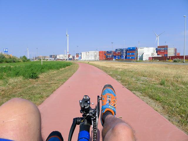 Tour de la Belgique en vélo,Le port d'Anvers