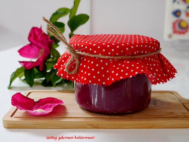 Dżem z płatków róży na miodzie  - Czytaj więcej »