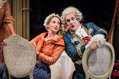 Mozart: Cosi fan tutte - Sarah Tynan, Peter Coleman-Wright - Opera Holland Park (Photo Robert Workman)