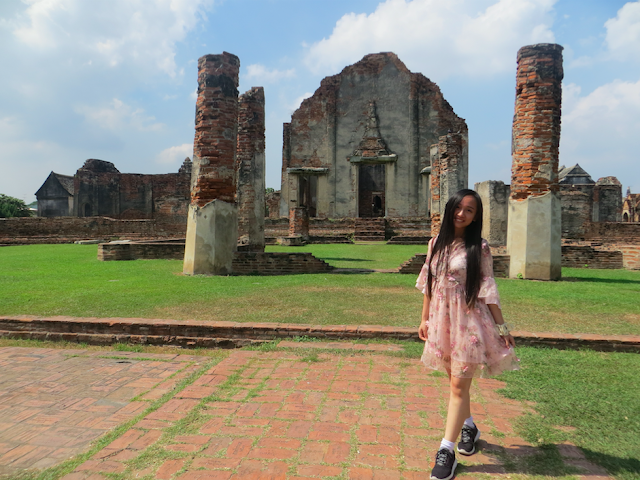 How to go to Lopburi