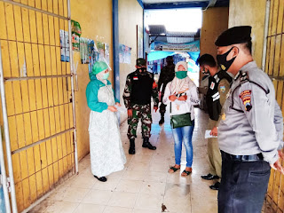 Patroli Gabungan di Pasar Mindahan Batealit Jepara