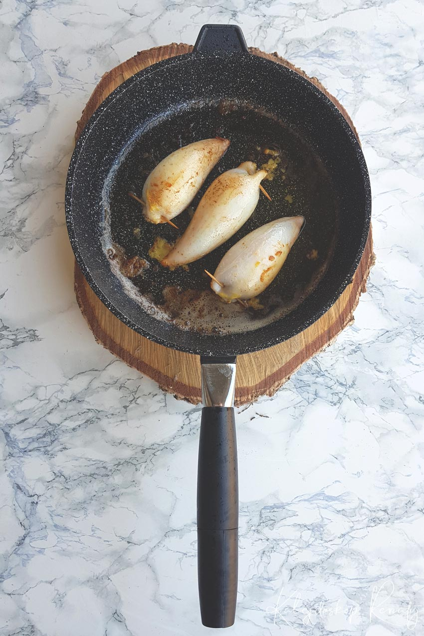 Kalmary faszerowane oliwkami i pieczywem