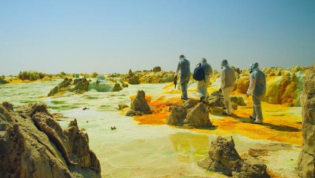One Strange Rock hace uso de localizaciones increíbles para explicar todo