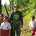 Personel Kodim 0824/Jember Bersama BPBD Jember Layani Putra Putri Korban Bencana Berangkat Sekolah
