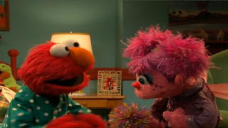 Elmo sings Happy Thoughts song to Abby Cadabby. Sesame Street Bedtime with Elmo