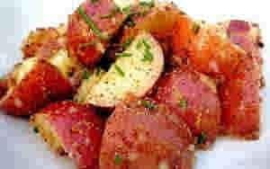 سلطه البطاطس الحمراء