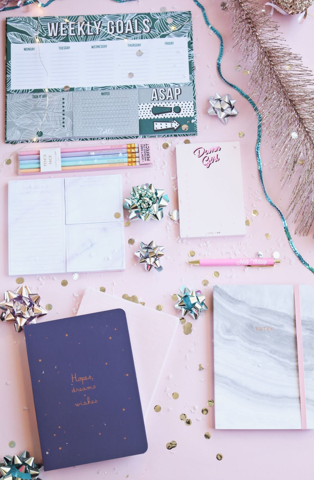 Christmas, Blogmas, gift guide, stationery, flatlay, zoella lifestyle