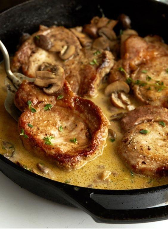 30-Minute Creamy Garlic Mushroom Pork Chops