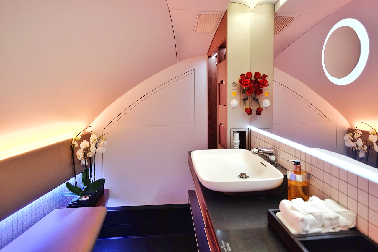 Terbang Dengan Qatar Airways A380 First Class The Story Of