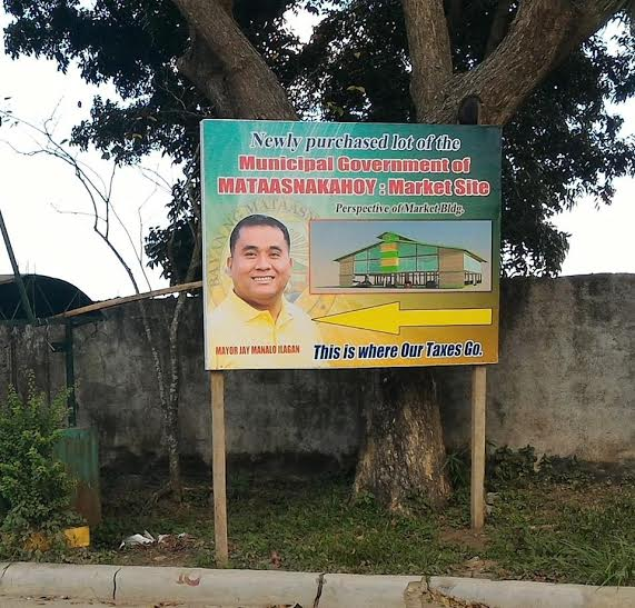 Project billboard in Mataas na Kahoy, Batangas draws laughs from netizens