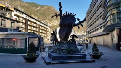 Reloj de Dalí en Andorra