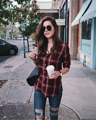 outfit con blusa a cuadros vino tinto