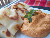 http://www.sidsseapalmcooking.com/2015/10/pizza-hummus.html