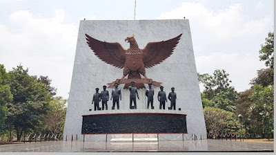 Monumen peringatan hari kesaktian pancasila - berbagaireviews.com
