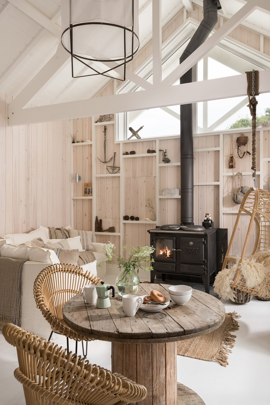The Cotton Tree A Cozy Wooden Cottage In Cornwall England
