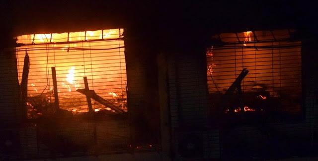 लव जिहाद के आरोप में साम्प्रदायिक बवाल, 15 दुकानों को किया आग के हवाले - newsonfloor.com