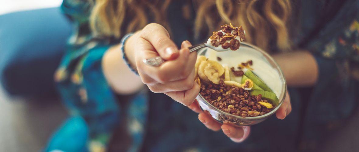 bademi-jogurt-losos-proteini-jaja-chia_sjemenke