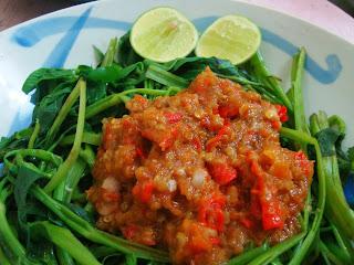 6 Makanan Khas Lombok NTB Tengah, Timur, Utara SELAIN Beberuk : Ayam Taliwang DLL