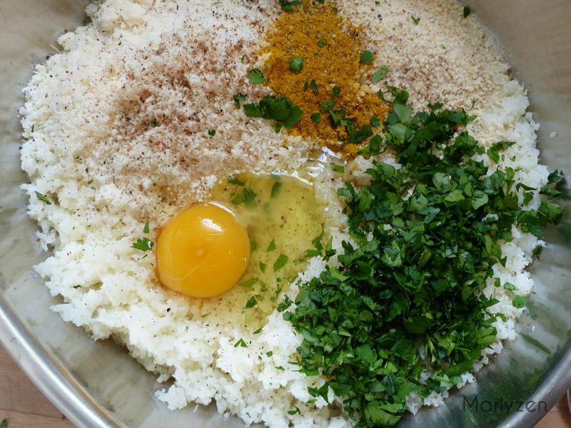 Dans un saladier, mélangez le reste des ingrédients.