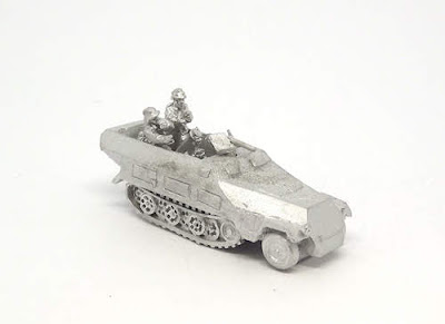 GRV115   Sd.Kfz 251/2 (Ausf D) 8cm mortar carrier and crew