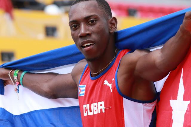 Una de las figuras descollantes del atletismo cubano, el saltador Pedro Pablo Pichardo, abandonó la concentración del equipo nacional en Stuttgart, Alemania