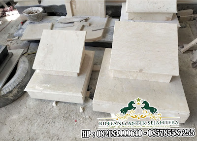 Batu Nisan Makam