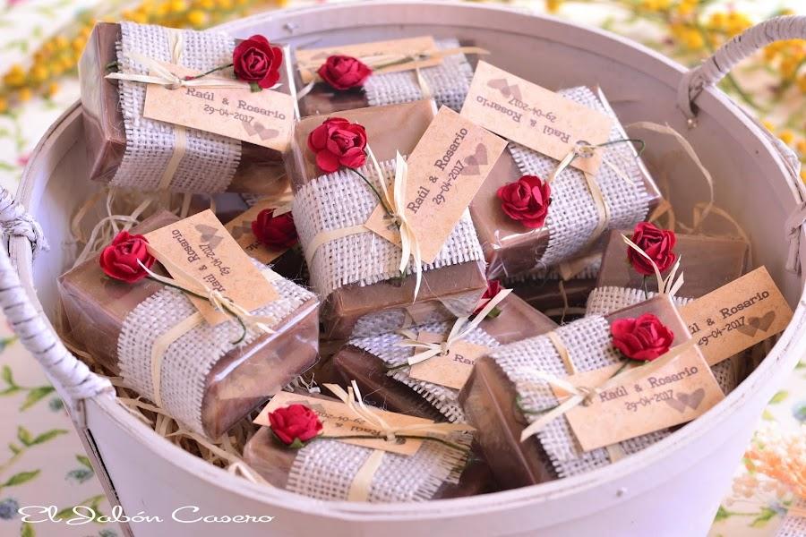 Jabones artesanales naturales para detalles de boda