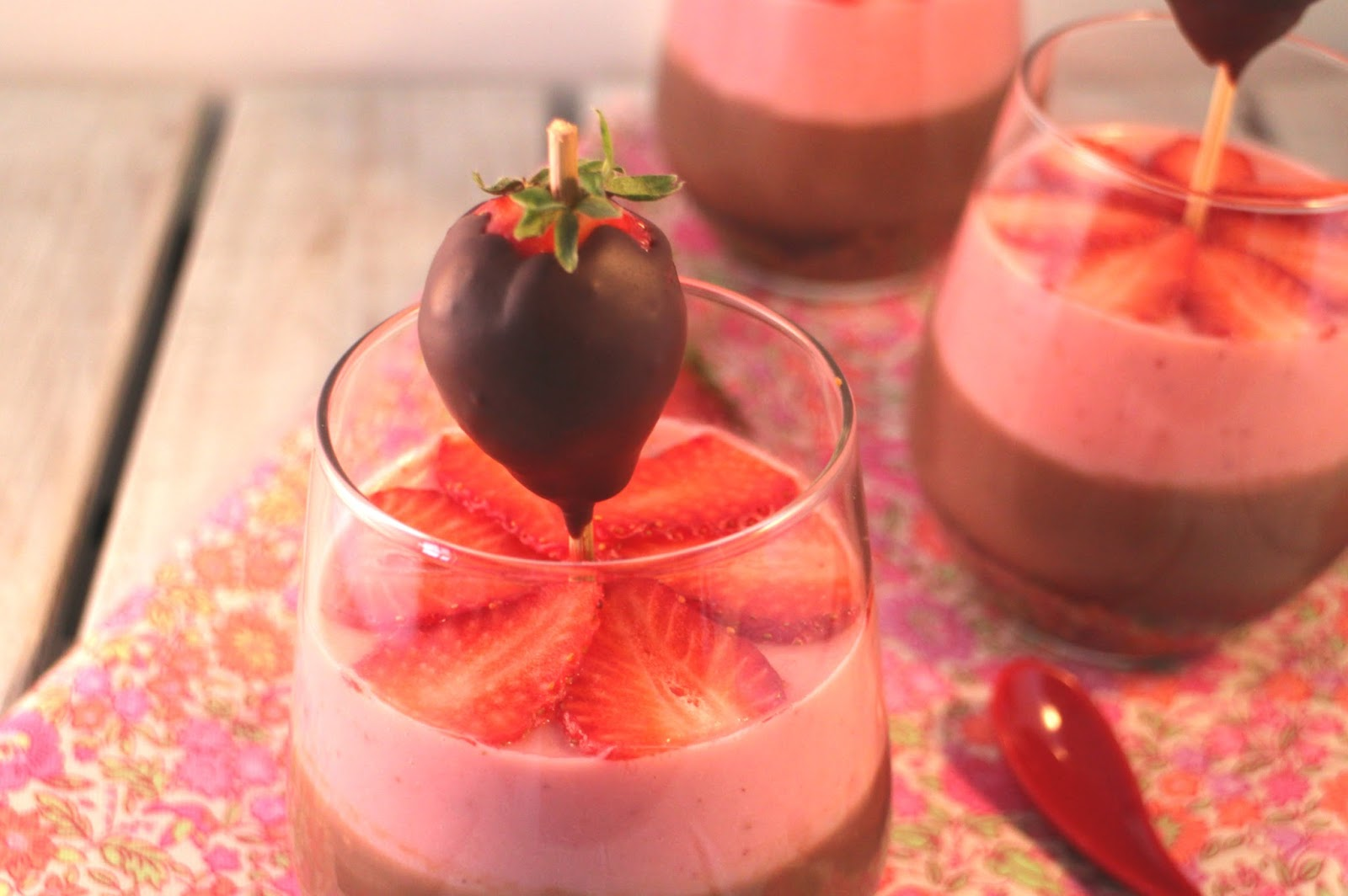 chocolate-strawberry-pudding, pudin-de-fresas-y-chocolate