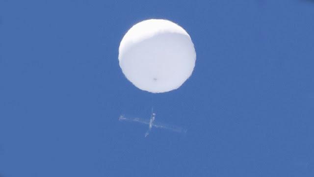 Captan en el cielo de Japón un extraño objeto volador y el Gobierno niega conocer su origen