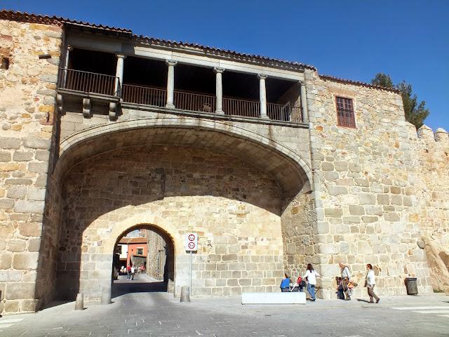 Entrada de la muralla de Ávila