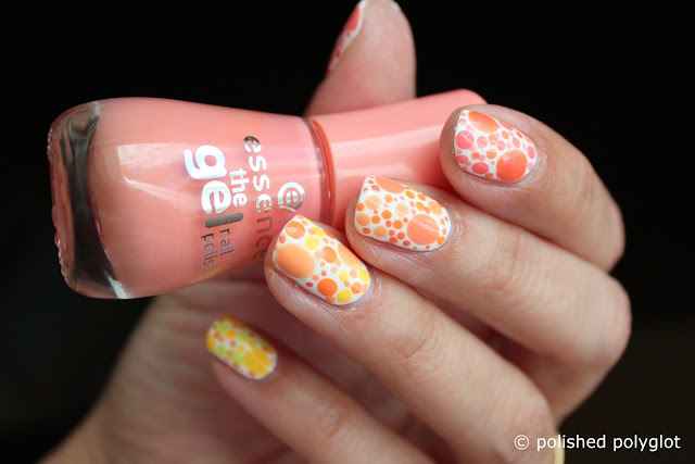 Nail art Designs for short nails Peach or lemon dotticure