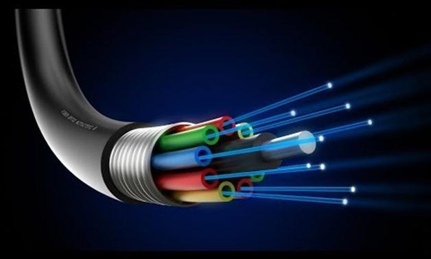 Pengertian Fungsi Kelebihan dan Kekurangan Kabel Fiber Optic Pengertian Fungsi Kelebihan dan Kekurangan Kabel Fiber Optik