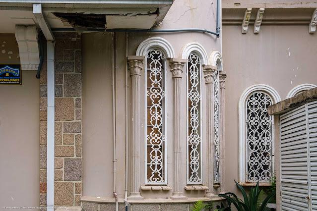 Casa na Rua Saldanha da Gama - detalhe janelas com grades