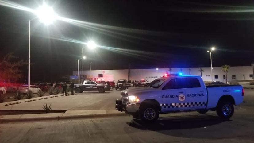 Sicarios que montaron un reten en Magdalena de Kino; Sonora se enfrentan a Militares y hieren a 5 elementos