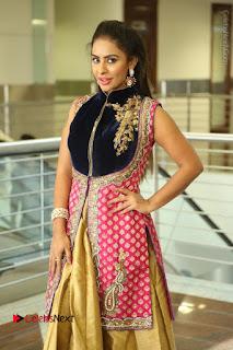 Telugu Actress Sri Reddy Mallidi Stills in White Beautiful Dress at Marriage Needs Bridal Fashion Week 2017 Logo Launch  0162.JPG