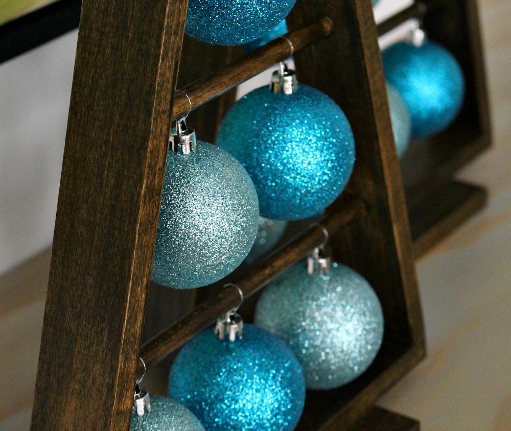 DIY Tree-Shaped Ornament Display