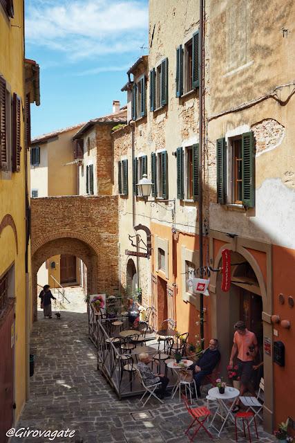 lari centro storico