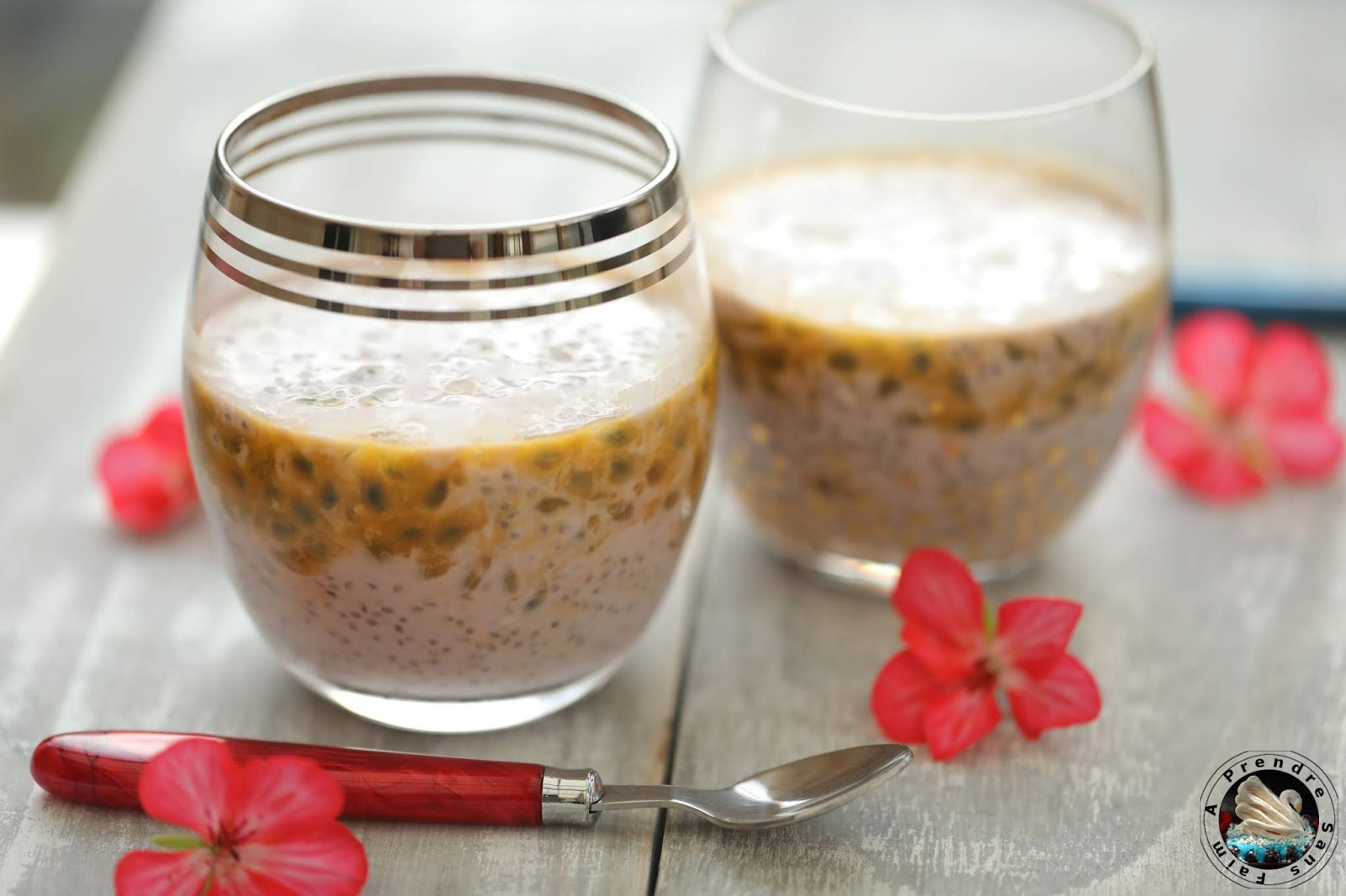 Chia pudding lait de coco, fruits de la passion