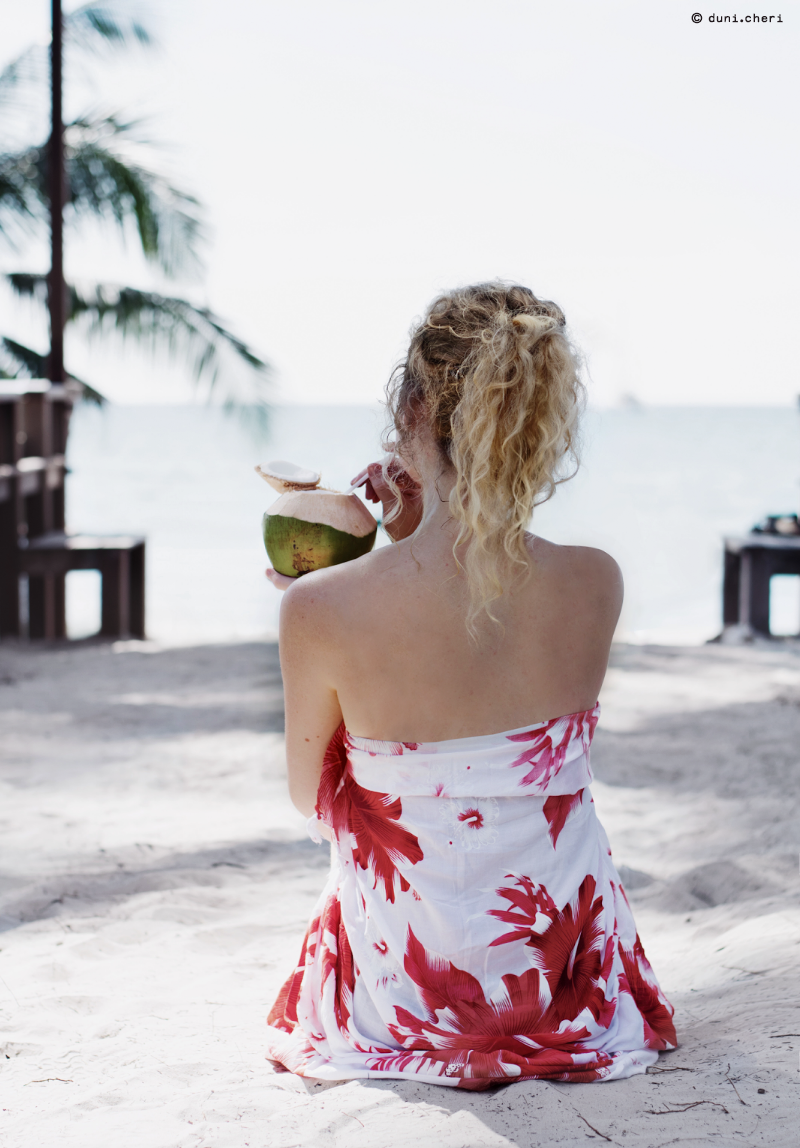 strand frau thailand insel koh kood