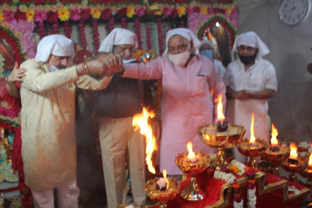 वैष्णोदेवी मंदिर में शुरू हुई नवरात्रों की धूम, मंदिर में ही भक्तों को लगाई जाएगी कोरोना वैक्सीन