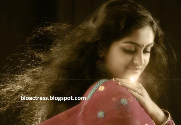 Malayalam Serial Actress Sini Varghese Rare Private Photos
