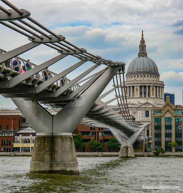 Millenium Bridge e Catedral de Saint Paul, Londres