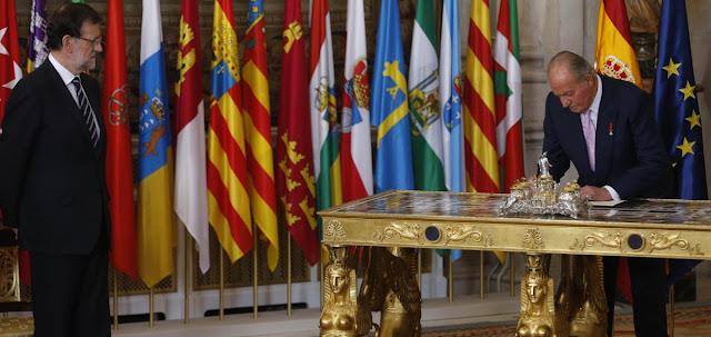 Promulgacion de ley por el Rey Don Juan Carlos