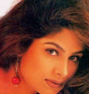 Ayesha Jhulka age, death, biography, movies, husband children, husband name, marriage, family, photos, date of birth, hot, kids, now, photo hd, image,children, daughter, son