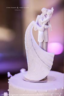 casamento com cerimônia na igreja são pedro e recepção na praça dos fundadores do grêmio náutico união em porto alegre com organização projeto e cerimonial de life eventos especiais com decoração simples e elegante