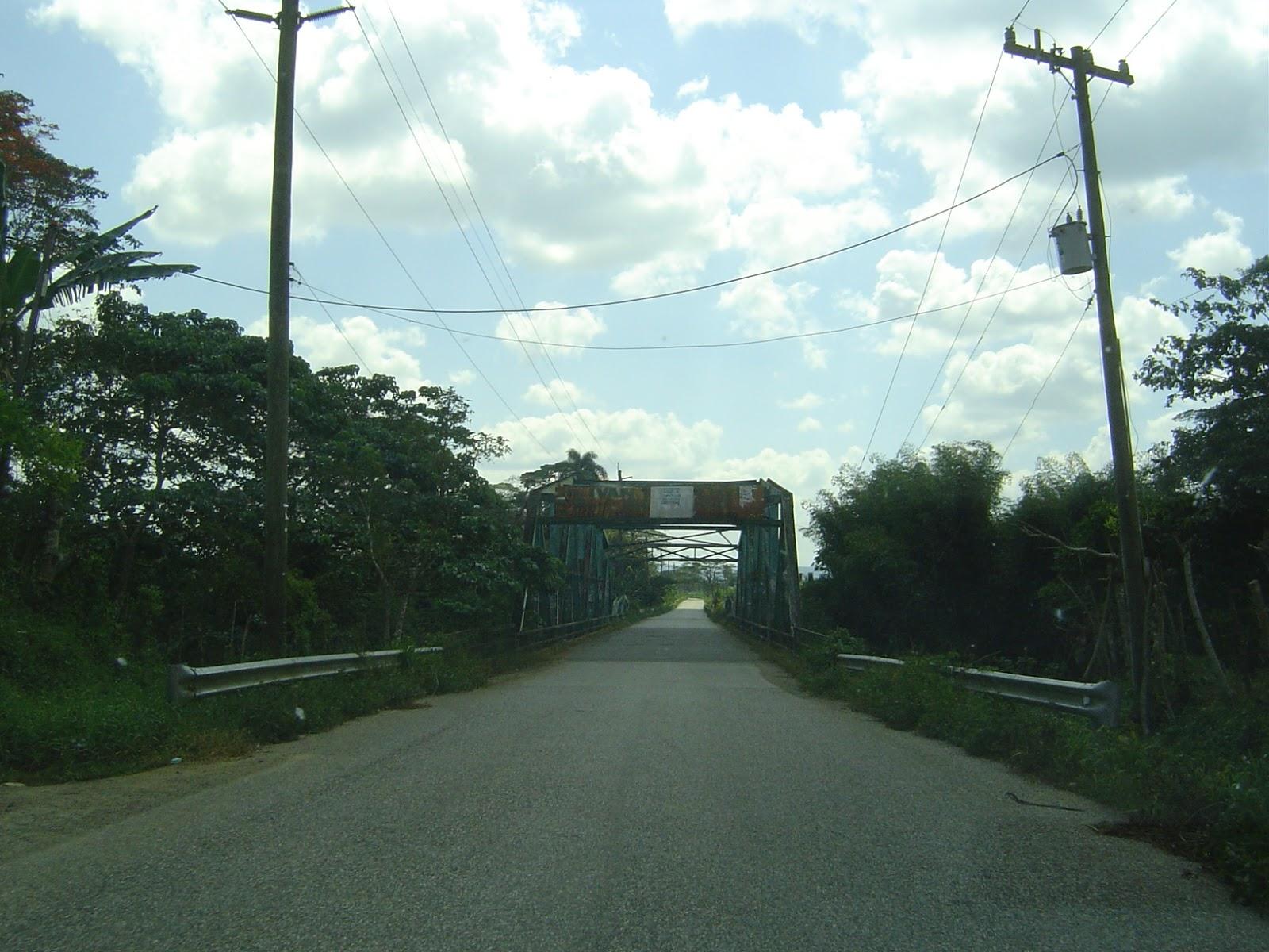 El viejo puente entre Sabana de la Mar y El Valle