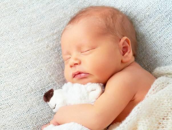 5 Tips Agar Bayi Baru Lahir Tidur Nyenyak Di Malam Hari