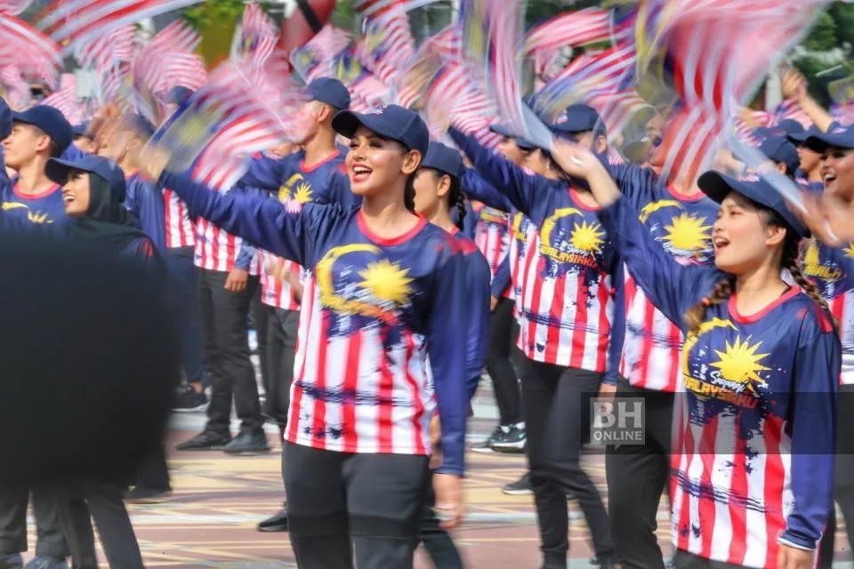 Malaysians are urged to share in the peace and prosperity.